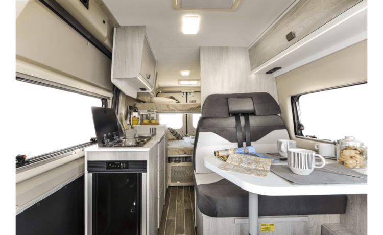 Nieuwe (2021), praktische campervan – alle voorzieningen én all-inclusive formule