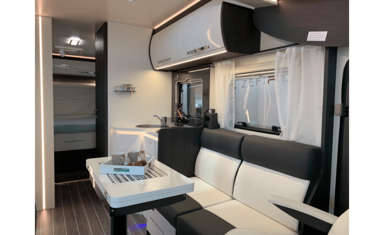 Rollerteam 267 – Luxe Automaat Mobilhome Roller Team 267TL - Nieuw! Huisdieren toegestaan!!