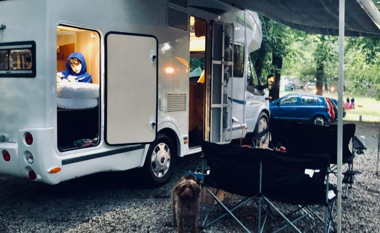 Amazing family motorhome with bunk beds.
