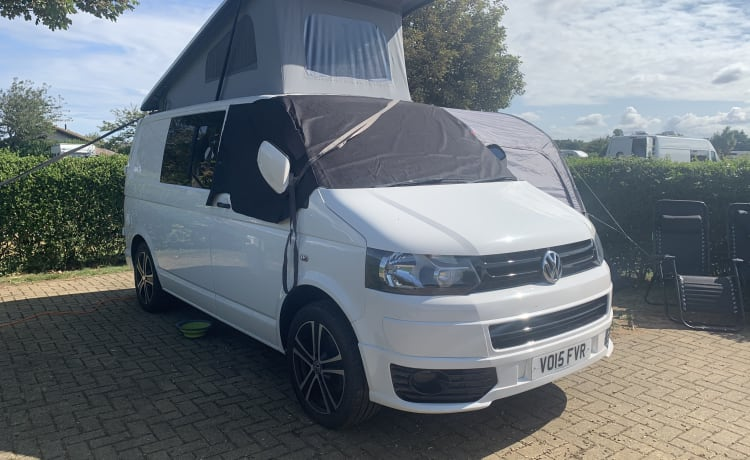 Billy – VW Transporter T5 Campervan - 2020 Professional Conversion