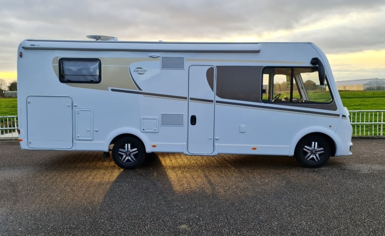 Luxe integraal camper – New carado integral camper with automatic transmission