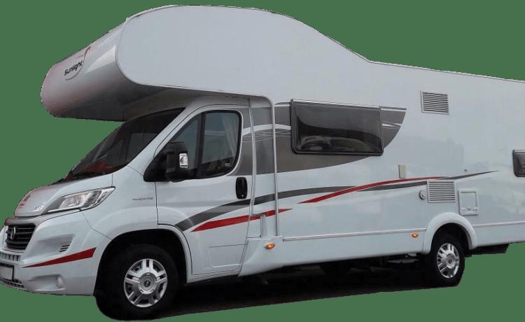 Sunlight A72 – Ideale alkoof camper. 6 gordels, 4 grote en 2 kleine slaapplaatsen.