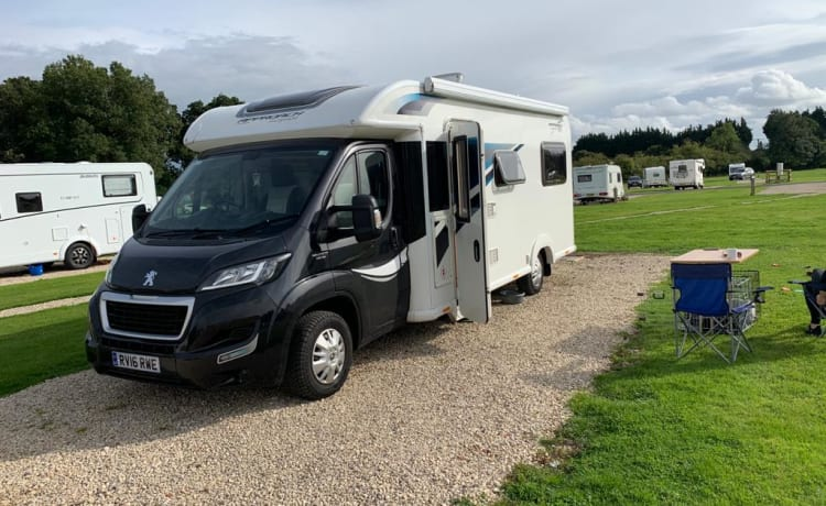 Luxury Spacious 6 Berth Motorhome