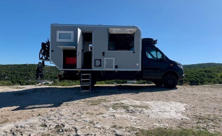 stoere 4x4 vrachtwagencamper – 4x4 truck camper