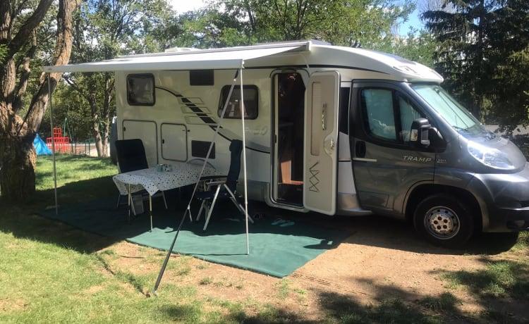 Te huur onze mooie Hymer Tramp Premium 50 camper