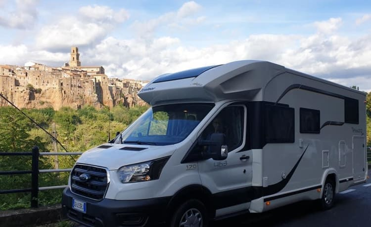 Brand new super-equipped Camper