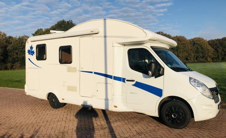 AHORN 690 TS CAMPER, lengtebedden en hefbed, ideaal voor gezinnen/senioren!