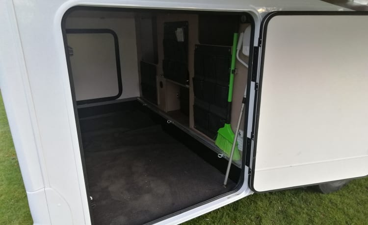 for rent beautiful new integrated motorhome