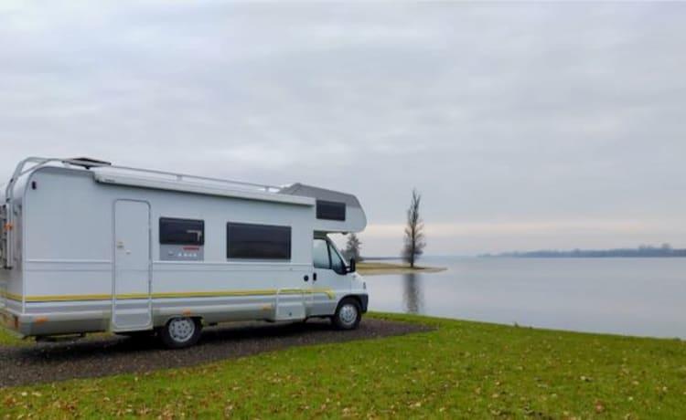 Familiecamper 'Puur Maastricht' – Leuke 7-persoons familiecamper, van alle gemakken voorzien!
