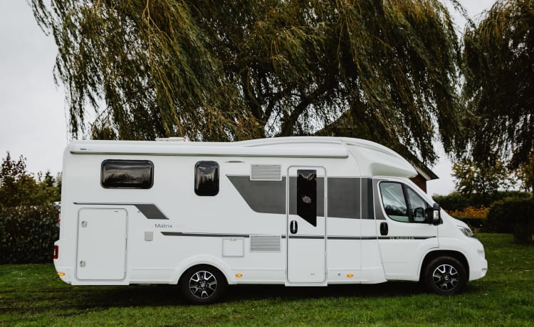 16. Luxurious Adria Matric 670 SL for 5 people