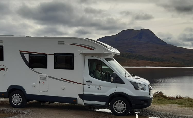 Flora – 2018 Boutique style 4-berth Motorhome