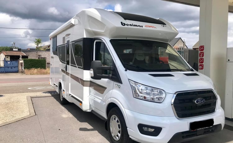 5 person Ford Benimar Cocoon 463 (model 2021)
