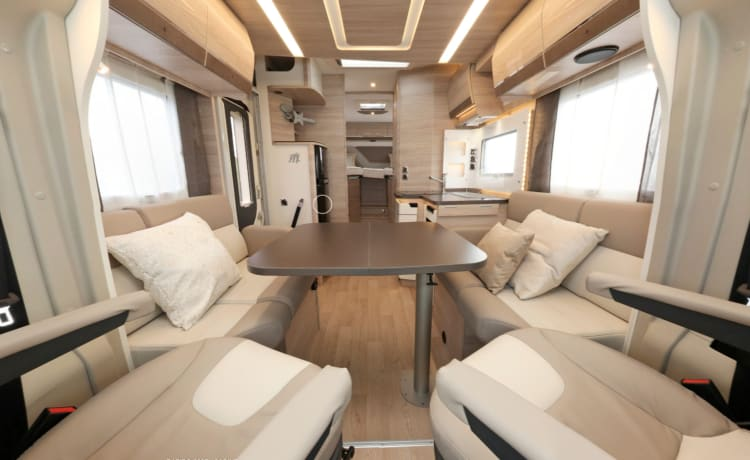 Mobilhome Rapido. 4 persons. Suitable for free camping