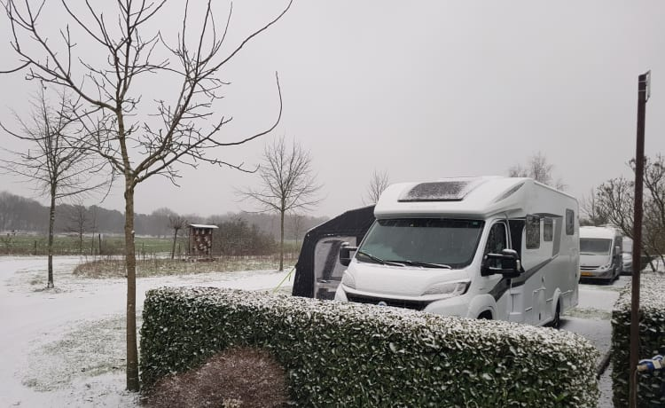 Luxury Knaus SUN TI 700 Platinum ALSO FOR WINTER KAMPERN IN THE NETHERLANDS