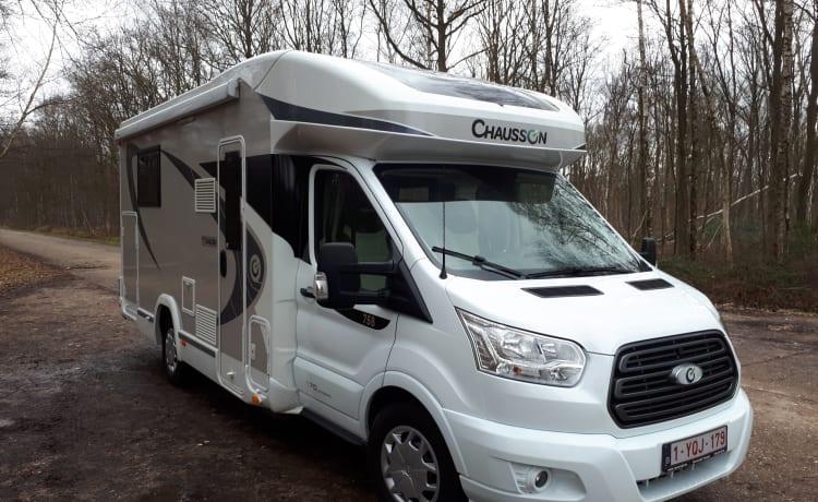 Obelix – Automaat Chausson Titanium 758 Ford 170 pk