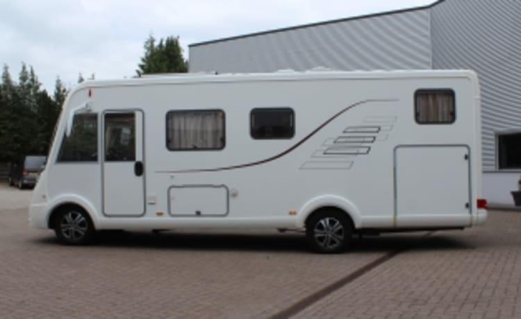 zeer luxe Hymer Integraal camper voor 4-5 personen met Airco - C1 rijbewijs