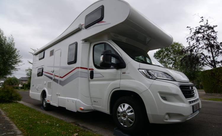 Seal 50 – Camper 6 seats and sleeping places without having to sacrifice the seating area!