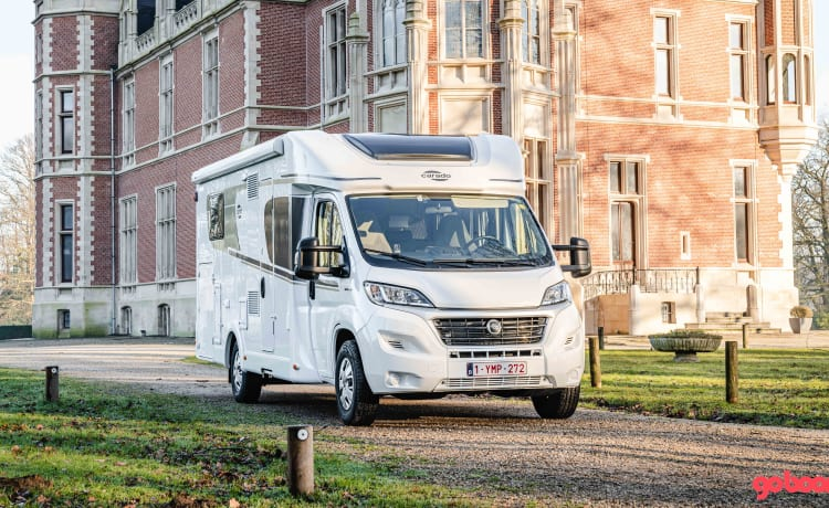 Luxury semi-integrated mobile home from 2020