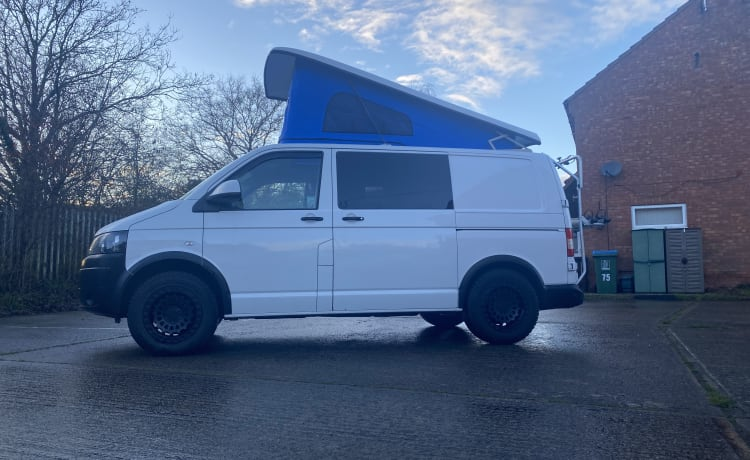 VW Transporter off grid 4 ligplaats