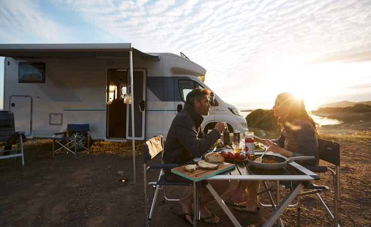 Brand new luxury and spacious 5-person camper - The Prince