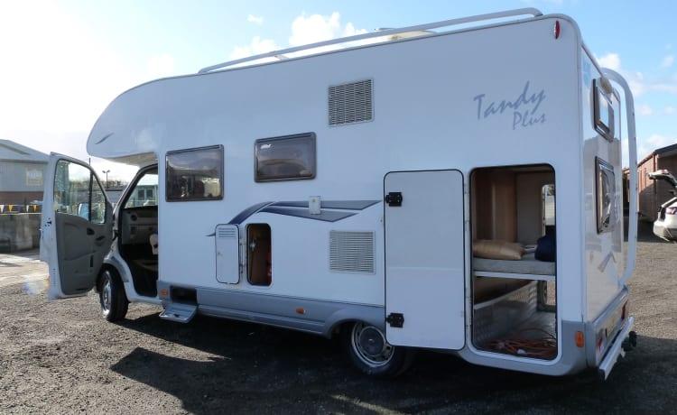 Tandy – Spacious 4 berth motorhome