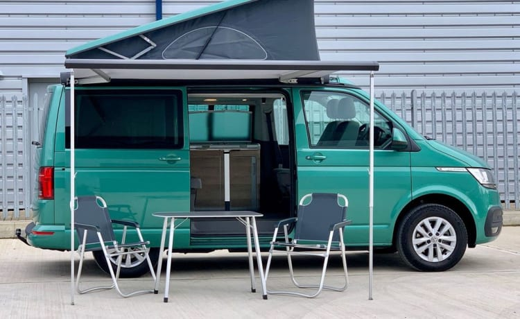 Khaya the Kamper – VW California Coast - Model 2021 - Bay Leaf Green.
