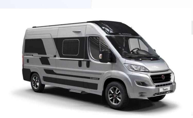 Onyx – Design Campervan Adria Twin Suprème Fiat Ducato 2300cc 2021 3p all options