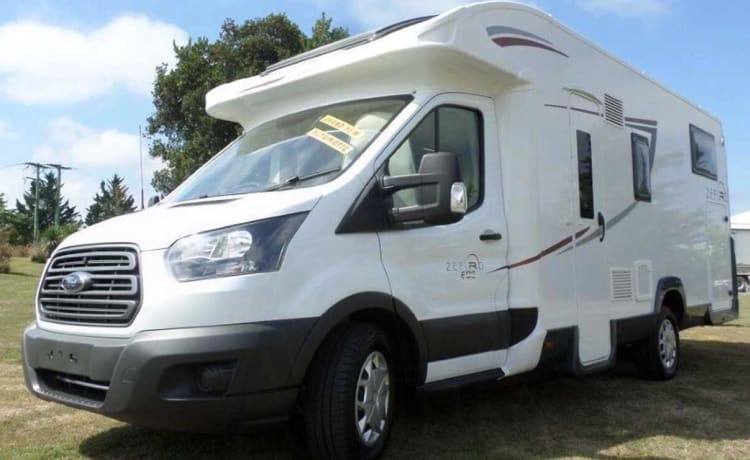 Love2roam - Comfort – 2-5 berth, free WiFi & insurance