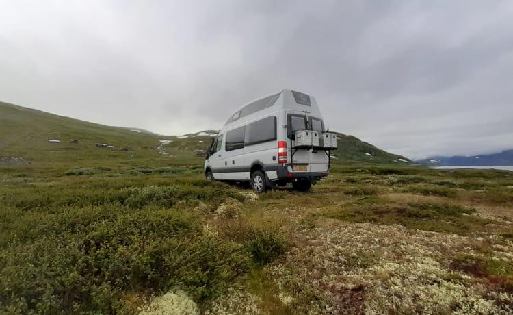 Zwerver – Luxury Mercedes camper van 4x4