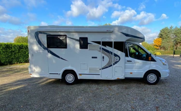We offer our great luxury camper from 2016 for rent!