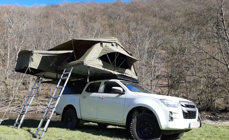 Adventure overland vehicle