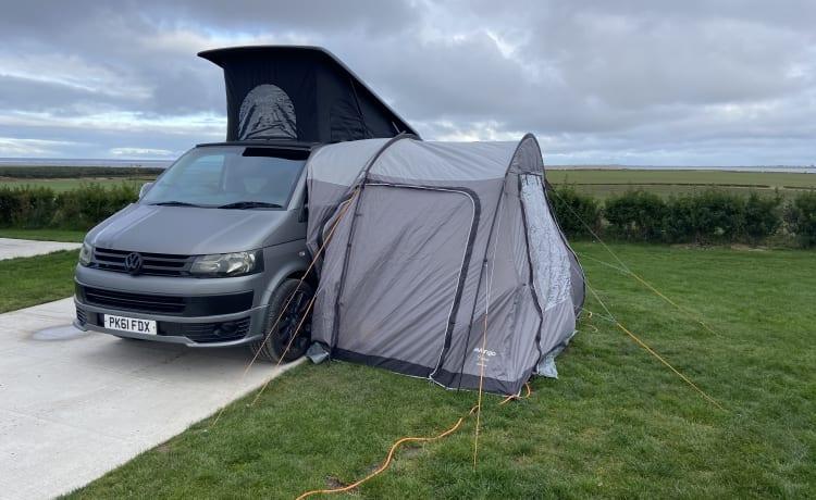 VW T5 CAMPERVAN, POP UP ROOF, 4 BERTH, NEWCASTLE/NORTHUMBERLAND