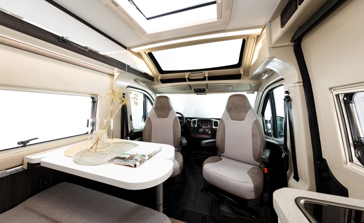 Compact and fully equipped campervan