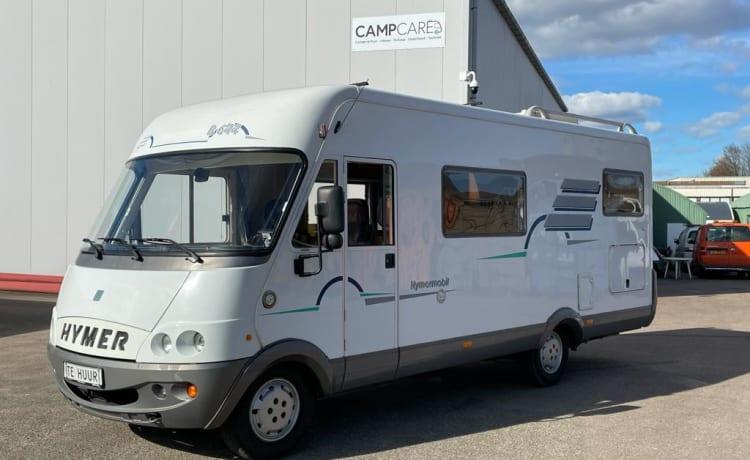 Trein – Very spacious, family-friendly Hymer B644 (Train) camper