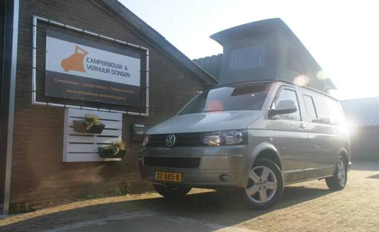 Volkswagen T5 Camperbus 4 persons