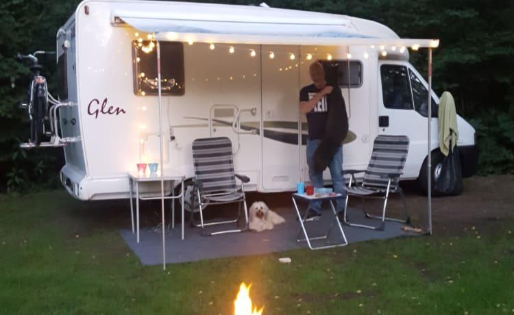 Glen – Half-integraal camper met 3 slaapplaatsen
