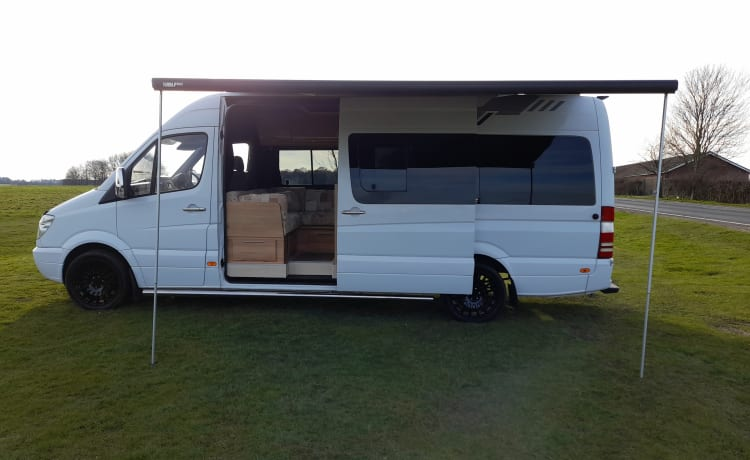 The Captain – 3-persoons campervan
