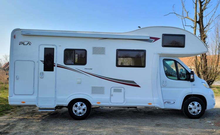 Poppie's luxury family camper new from 2019