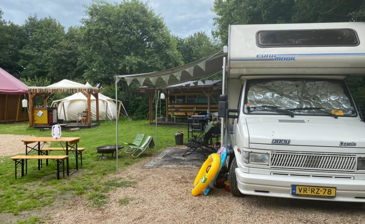 Duuk – Restyled retro family camper