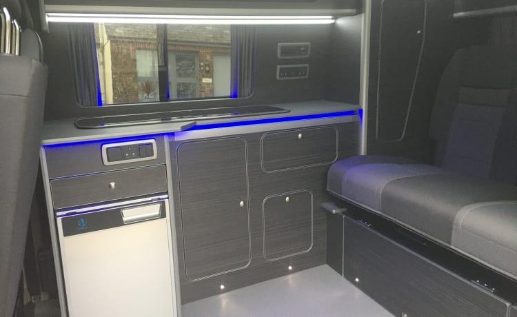 Skye – SKYE - Pas omgebouwde T6 volledig uitgeruste bestelwagen