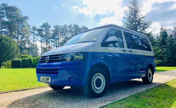 Beautiful Bluebell VW Campervan - brand new conversion!