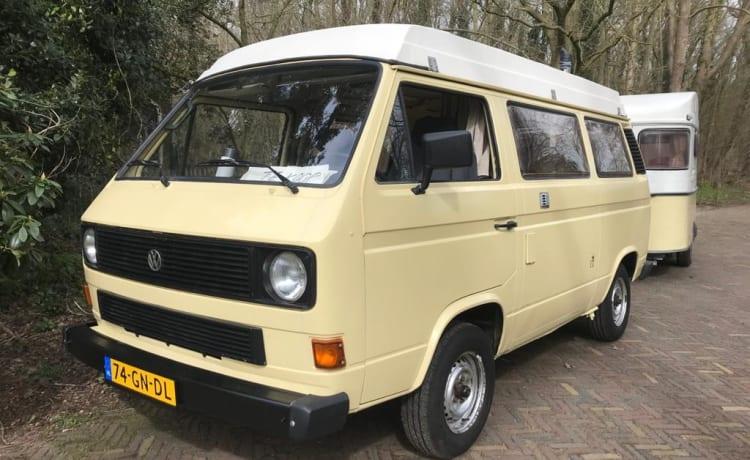 Betty – VW T3 vrolijke buscamper