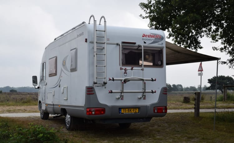 Dethleffs camper with AIRCO