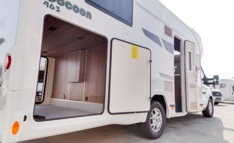 Exquise Fuga  – Prachtige, ruime en comfortabele Benimar Cocoon 463 - automatic