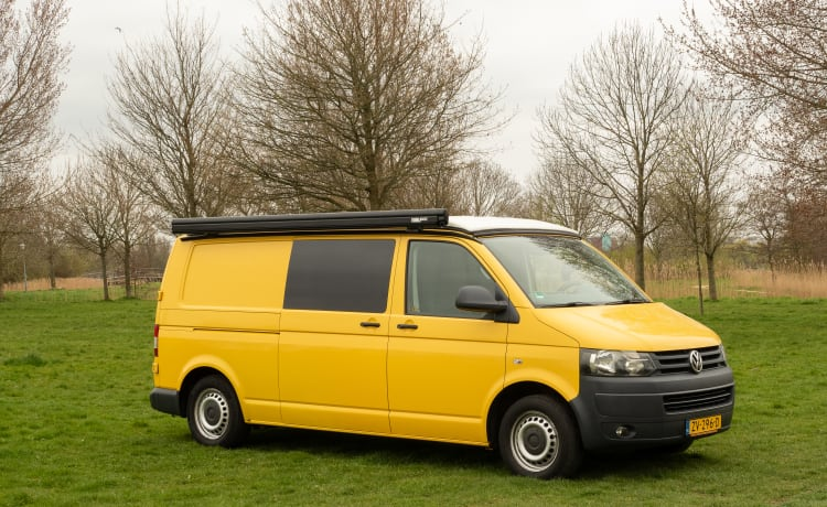 Yellow Submarine – Buscamper VW T5 Verlengd - Net een auto