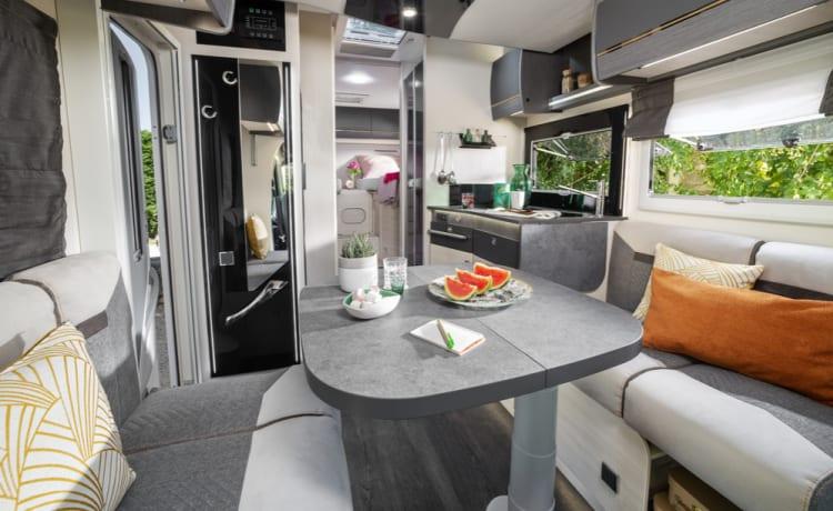 Chausson 777 – Vrij en luxueus op vakantie met onze nieuwe camper