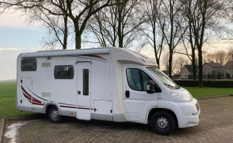 Home Traveller – Spacious, comfortable camper, fully equipped