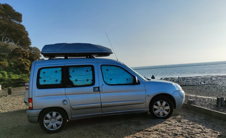 Bonnie – Citroen Berlingo Multispace Mini Camper