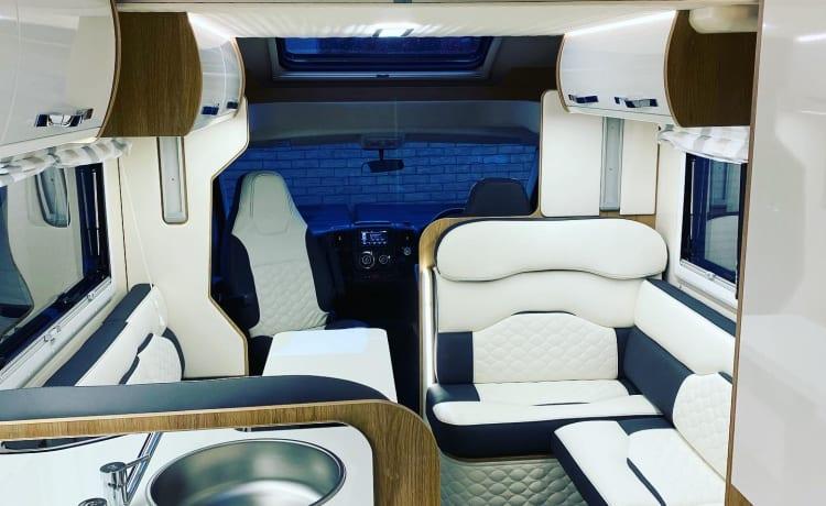 Voyager – Brand New 6 Berth Motorhome