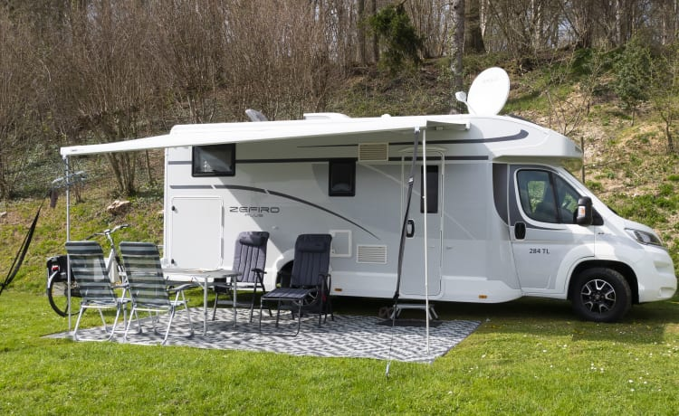 CAMPER RENTAL ZUID stands for safe, familiar and luxury on holiday